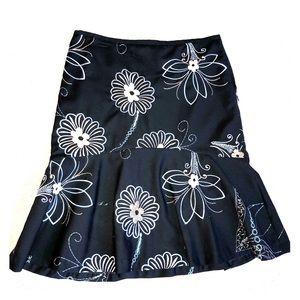 🌺 Loft ruffle skirt size 6